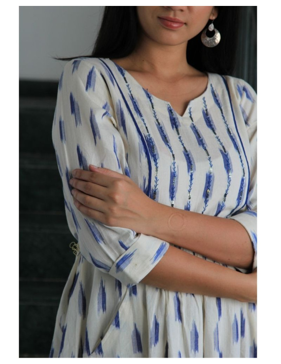 Ikat dress with embroidered yoke and front pockets: LD530-White-M-2