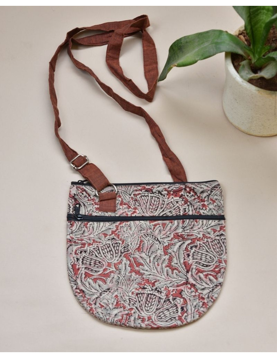 Beige Sling bag : CPC01-CPC01