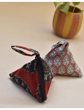 Small coin purse in block print fabric : MSC02-MSC02-sm