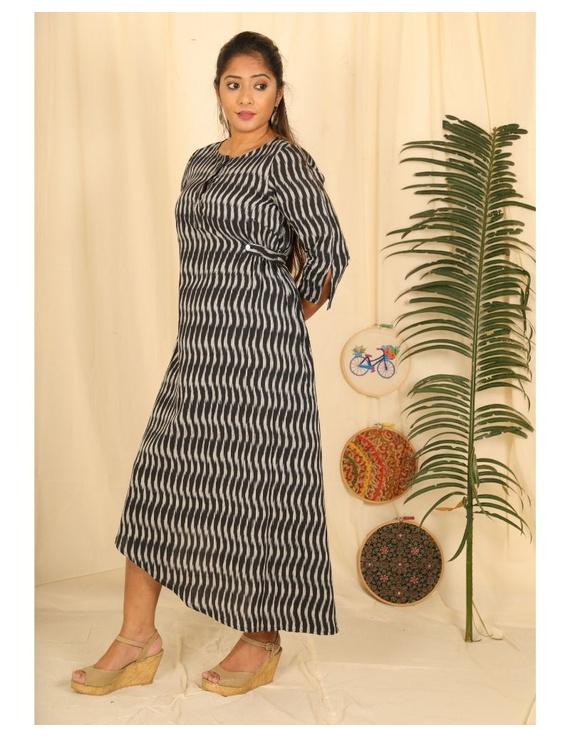 Ikkat fabric with an assymetric hem : LD450-Black-L-1