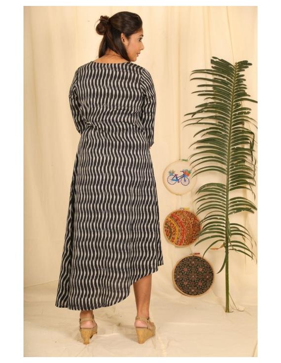Ikkat fabric with an assymetric hem : LD450-Black-L-3