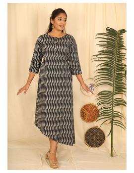 Ikkat fabric with an assymetric hem : LD450-LD450Dl-M-sm
