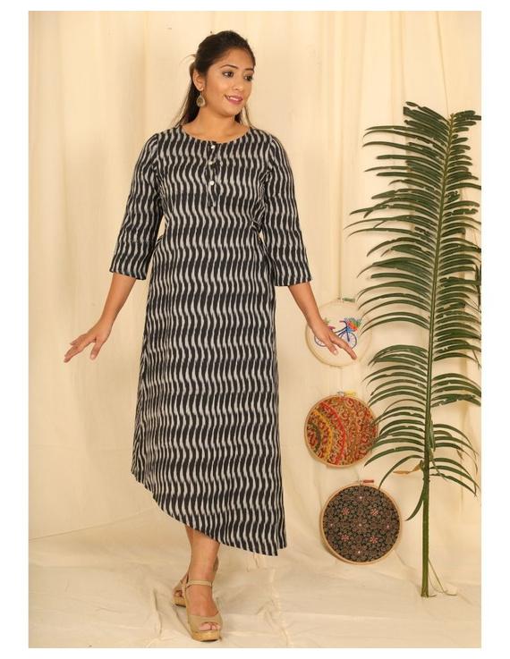 Ikkat fabric with an assymetric hem : LD450-LD450Dl-XXL