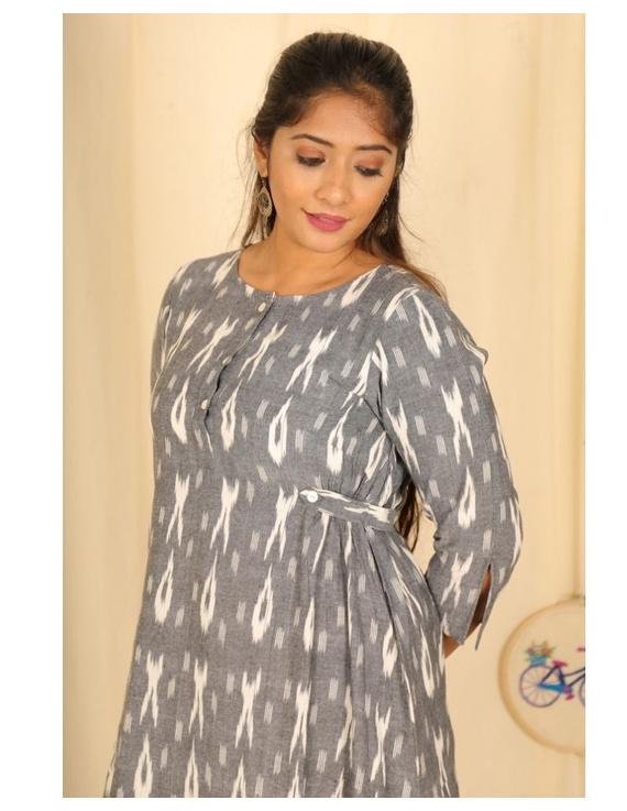 Ikkat fabric with an assymetric hem : LD450-S-Grey-2