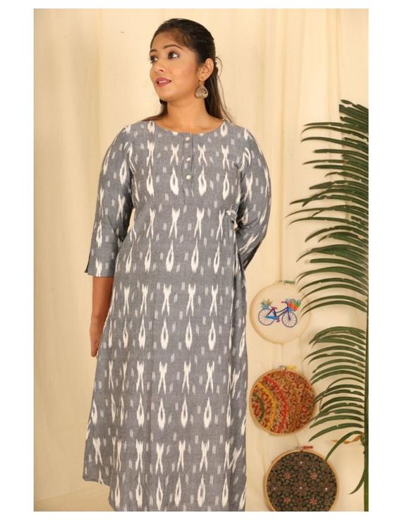 Ikkat fabric with an assymetric hem : LD450-S-Grey-3