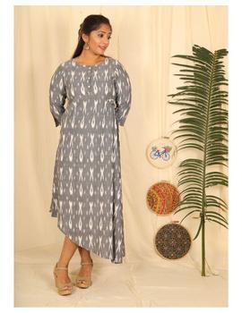 Ikkat fabric with an assymetric hem : LD450-LD450El-XXL-sm