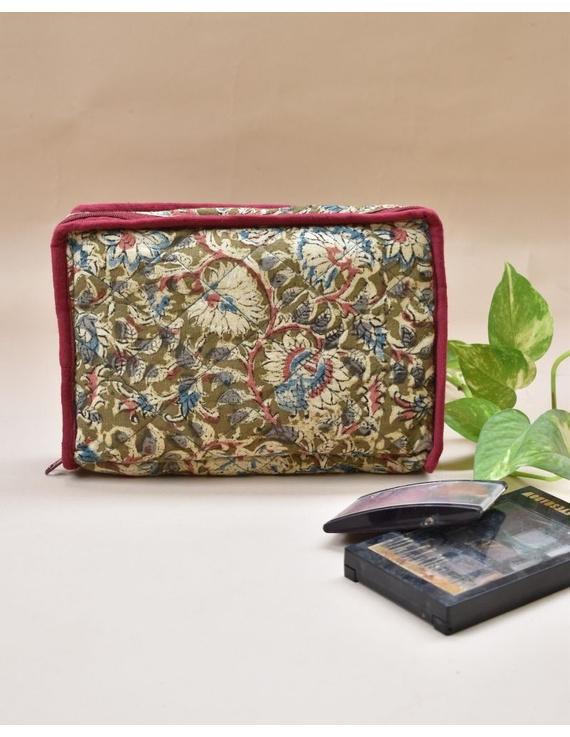 Olive green jewellery case with 4 zip pockets : VKJ01-VKJ01