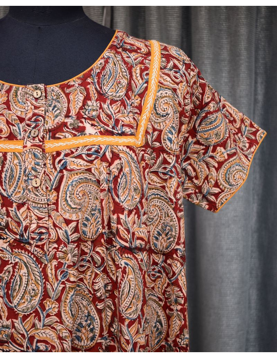 Red Handcrafted Nighties In Soft Kalamkari Cotton : NW110A-S/M-2