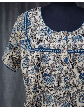 Blue & White Handcrafted Nighties In Soft Kalamkari Cotton : NW110C-S/M-2-sm
