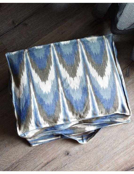Saree storage bag in ikat cotton with set of ten saree sleeves : MSK01E-1