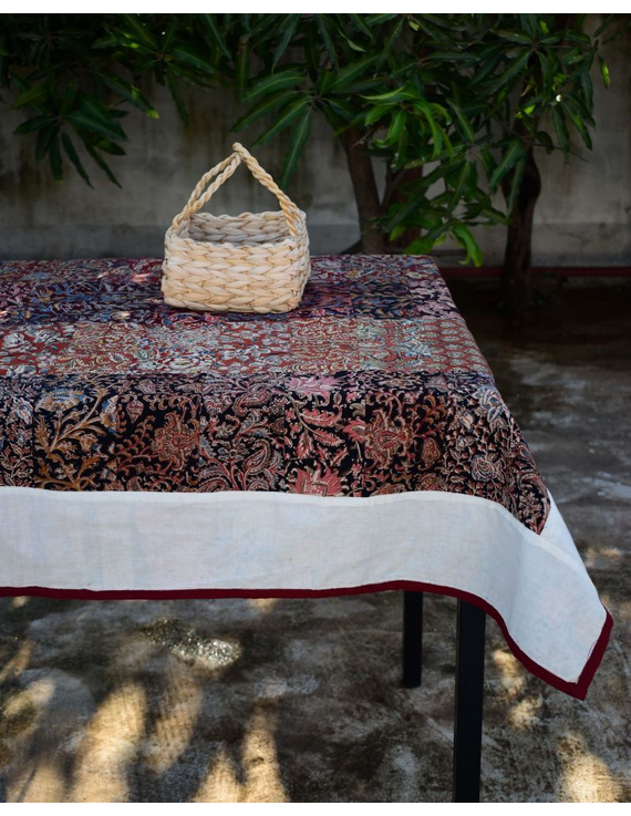 Six - eight seater patchwork table cloth with white and red border: TBCR01A-TBCR01A