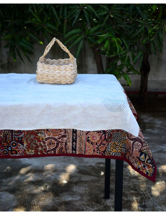 Six - eight seater patchwork table cloth with white and red border: TBCR01A-1