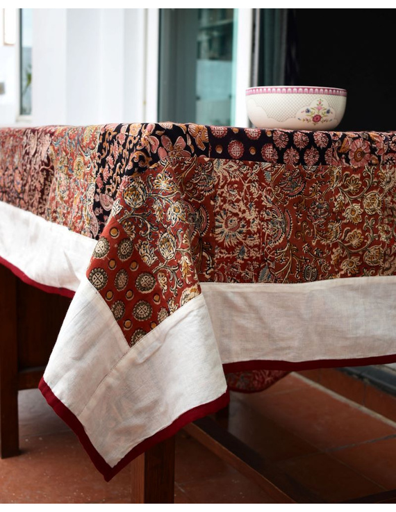 Six - eight seater patchwork table cloth with white and red border: TBCR01A-2