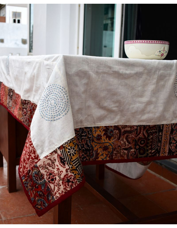 Six - eight seater patchwork table cloth with white and red border: TBCR01A-5