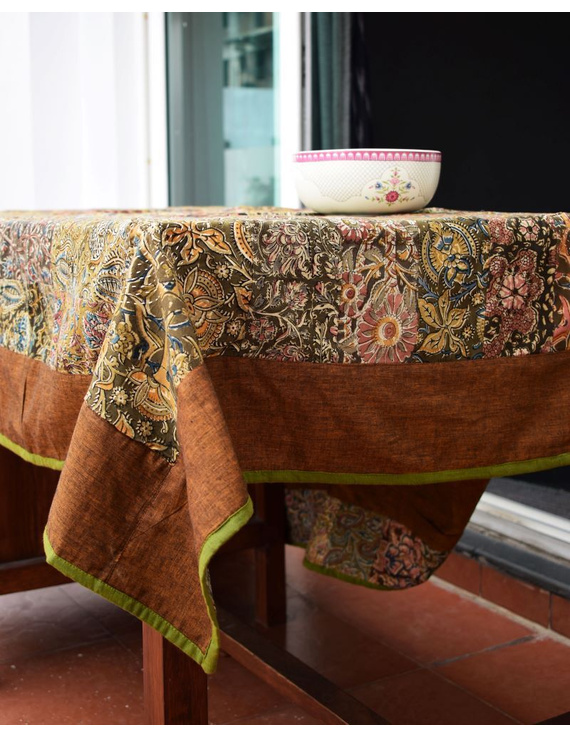 Six - eight seater patchwork table cloth with brown and green border: TBCR01B-2