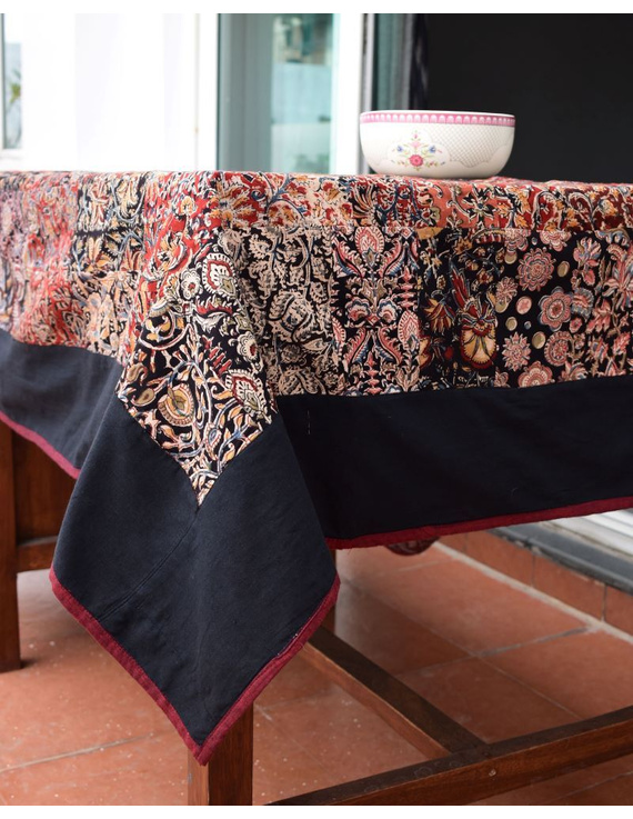 Six - eight seater patchwork table cloth with black and  red border: TBCR01D-2