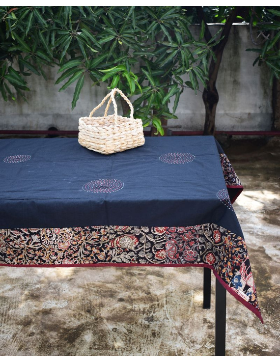 Square reversible patchwork table cloth in black and maroon : TBCS01A-4