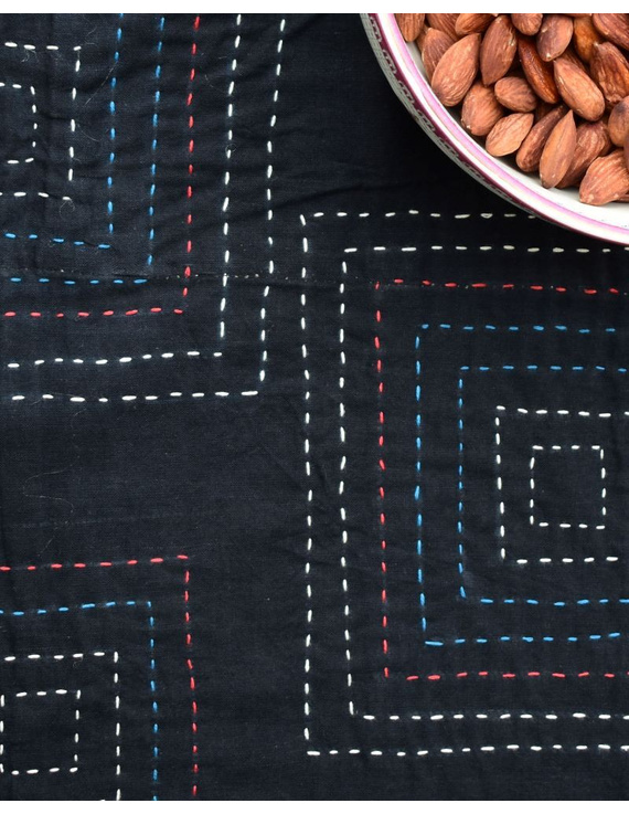 Square reversible patchwork table cloth black and green: TBCS01C-4