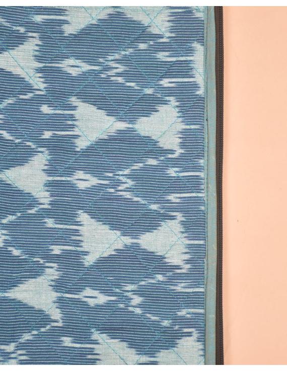 BLUE CHEVRON IKAT FILE FOLDER WITH ZIP : SFZ01-2