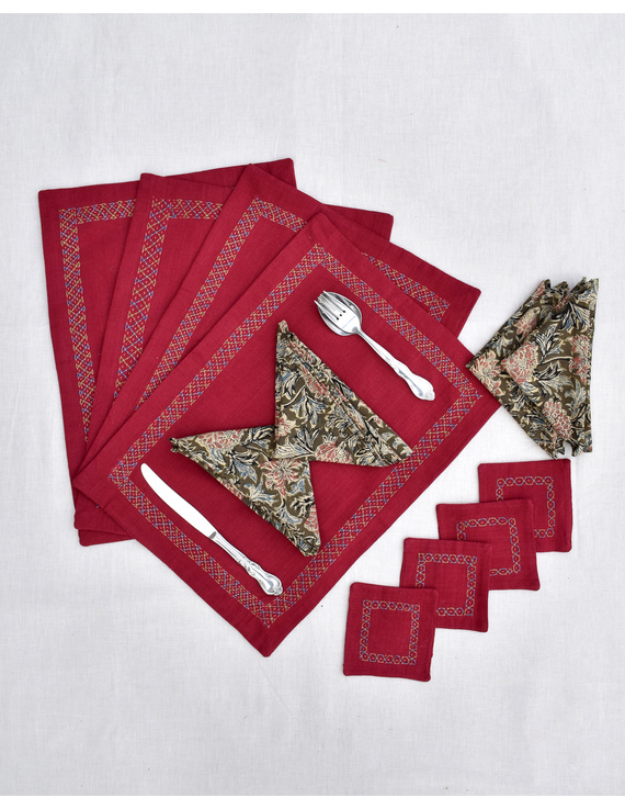 Maroon cotton embroidered table mat set with coasters and kalamkari napkins : HTM11D-Four-1