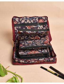 Maroon And Brown Kalamkari Jewellery Case with 4 Zip Pockets : VKJ05-1-sm