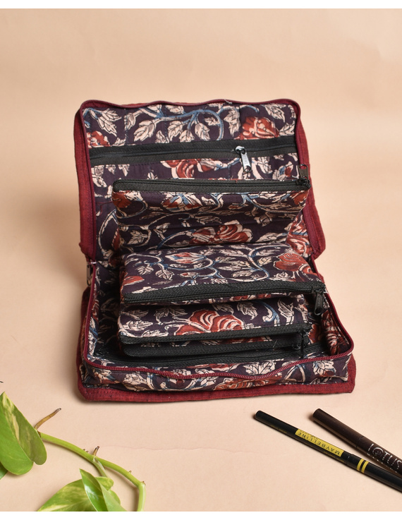 Maroon And Brown Kalamkari Jewellery Case with 4 Zip Pockets : VKJ05-1