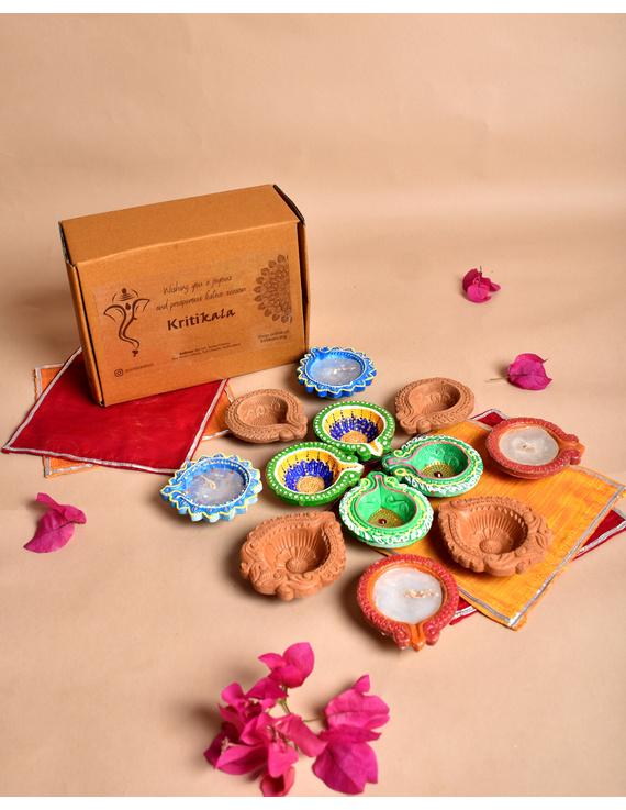 Traditional Multi Colour Clay Diyas Set of 12 : DDA12-DDA12
