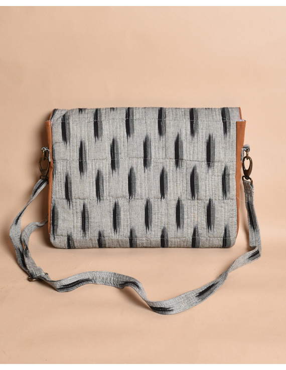 """""""Samarth"""" laptop bag in grey ikat and faux leather : LBM04-2"""
