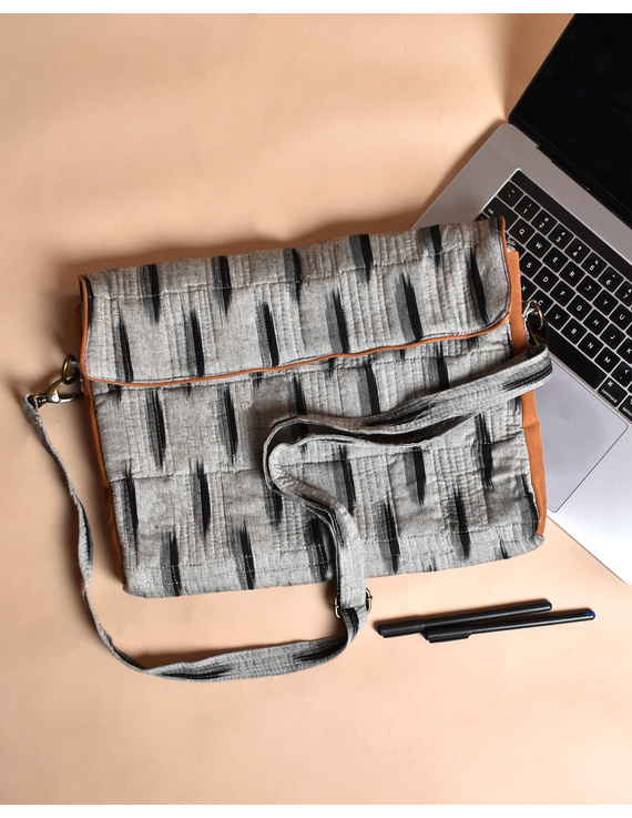 """""""Samarth"""" laptop bag in grey ikat and faux leather : LBM04-1"""