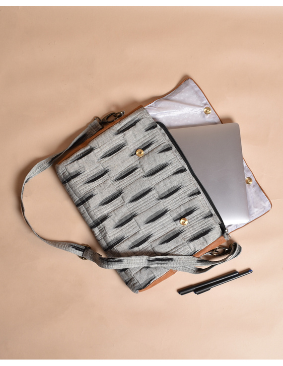 """""""Samarth"""" laptop bag in grey ikat and faux leather : LBM04-4"""