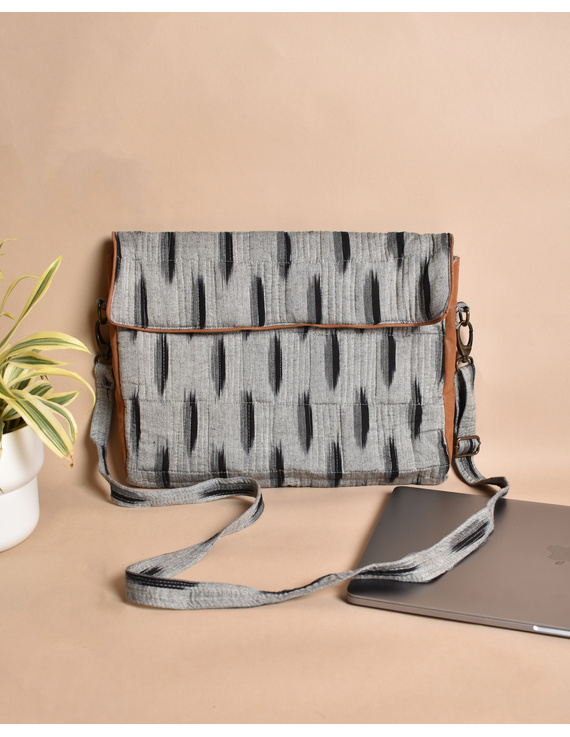 """""""Samarth"""" laptop bag in grey ikat and faux leather : LBM04-3"""