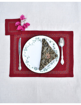 Maroon cotton embroidered table mat set with coasters and kalamkari napkins : HTM11-HTM1104-sm