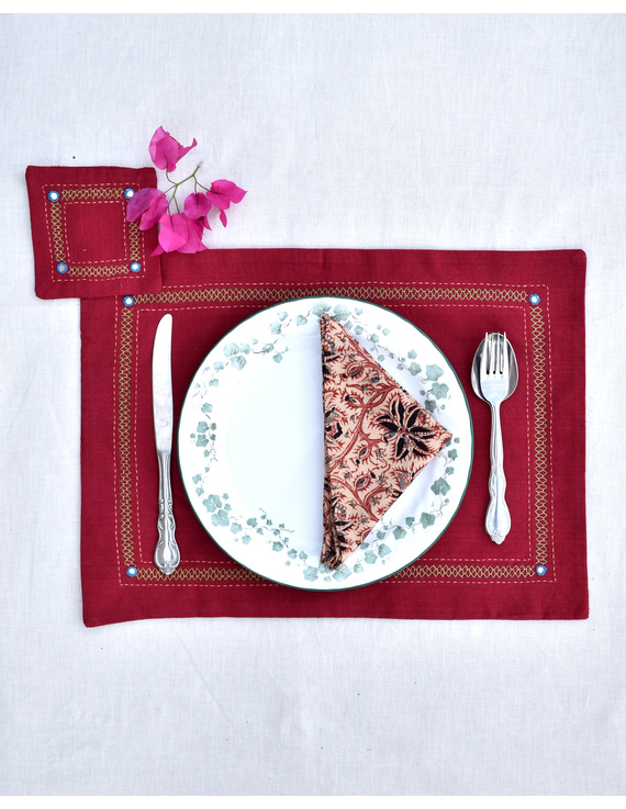 Maroon cotton embroidered table mat set with coasters and kalamkari napkins : HTM12-HTM1204