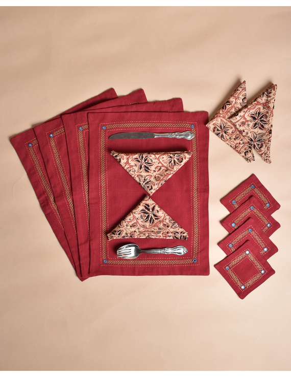 Maroon cotton embroidered table mat set with coasters and kalamkari napkins : HTM12-Four-1