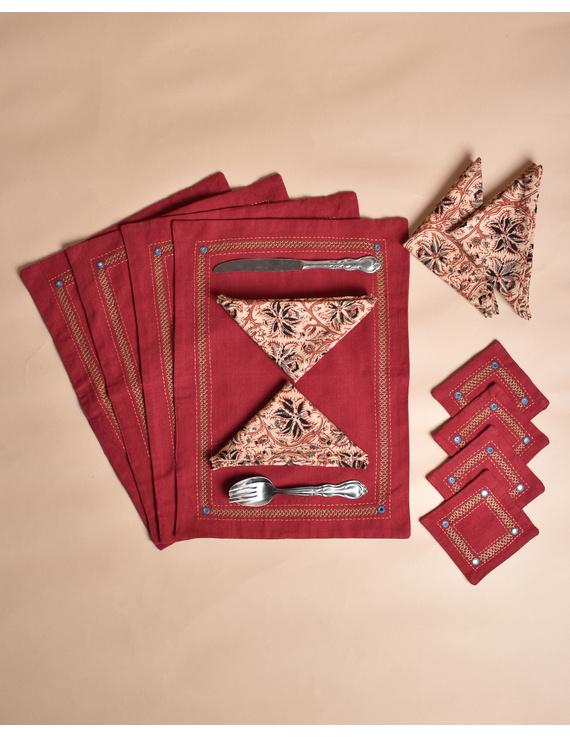Maroon cotton embroidered table mat set with coasters and kalamkari napkins : HTM12-Six-1