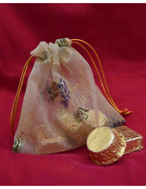 Handcrafted Diwali hamper option A: DHHA-4
