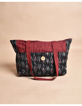 QUILTED BLACK AND RED IKAT PURSE BAG WITH POCKETS: TBD04-1-sm