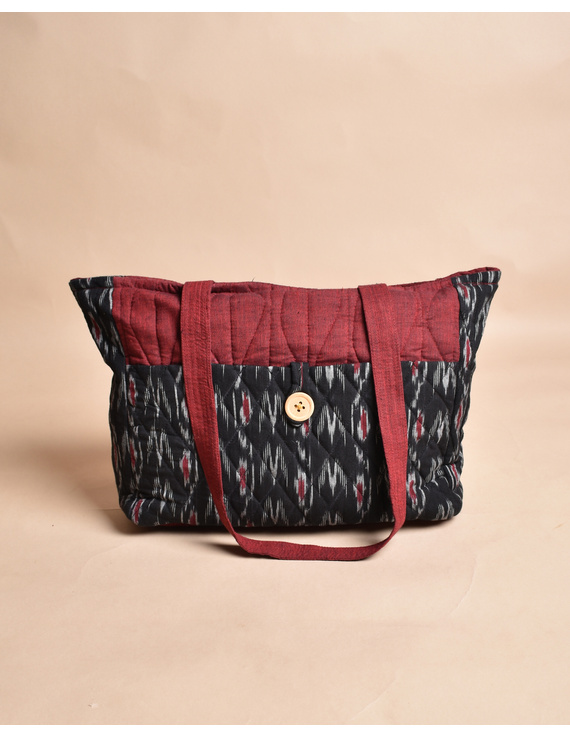 QUILTED BLACK AND RED IKAT PURSE BAG WITH POCKETS: TBD04-1