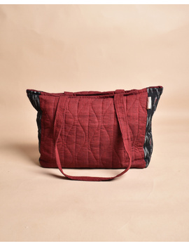 QUILTED BLACK AND RED IKAT PURSE BAG WITH POCKETS: TBD04-2-sm