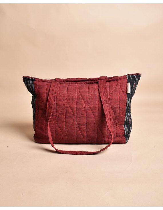 QUILTED BLACK AND RED IKAT PURSE BAG WITH POCKETS: TBD04-2