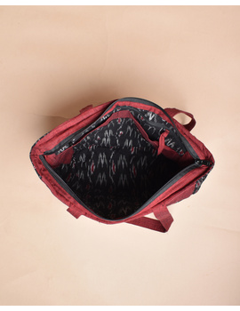 QUILTED BLACK AND RED IKAT PURSE BAG WITH POCKETS: TBD04-4-sm