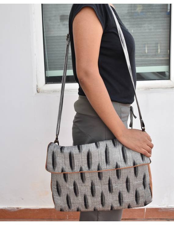 """""""Samarth"""" laptop bag in grey ikat and faux leather : LBM04-LBM04"""