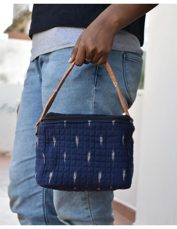 Smart blue ikat lunch bag or picnic bag with zip closure : MSL05-MSL05
