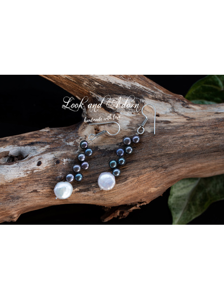 Coin Pearl with Button Pearl Earring-1