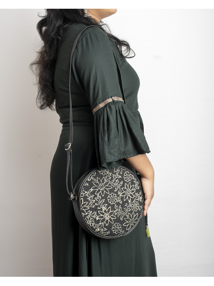 Handcrafted Circular Stylish Black & White Floral Sling Bag-LAACSSB004