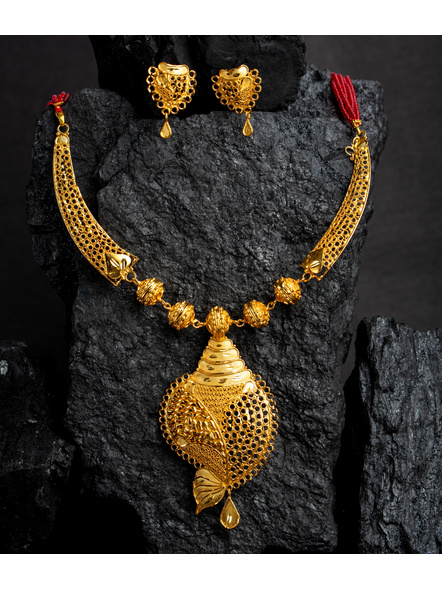 Traditional Ethnic Jewellery 1.5 Gram Gold Polished Conch Style Necklace Set with Red Seed Bead Adjustable Tassel and Matching Earring for Women-LAAGP15NLS03