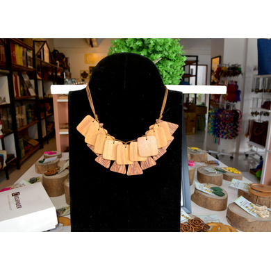 Coco and Jackfruit Wood Necklace-2