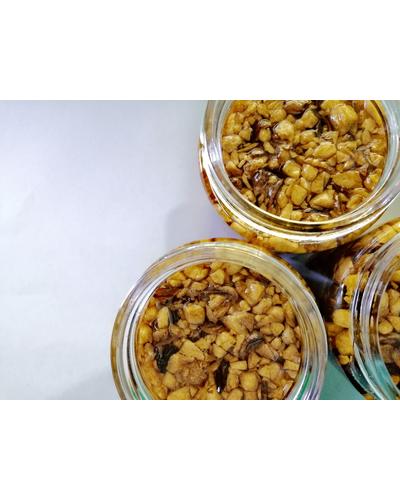 SPICY Savoury Garlic Bits in Oil-1