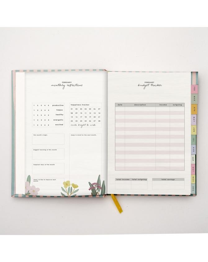 2022 Classic Hardbound Annual Planner | Pre-order Edition-11